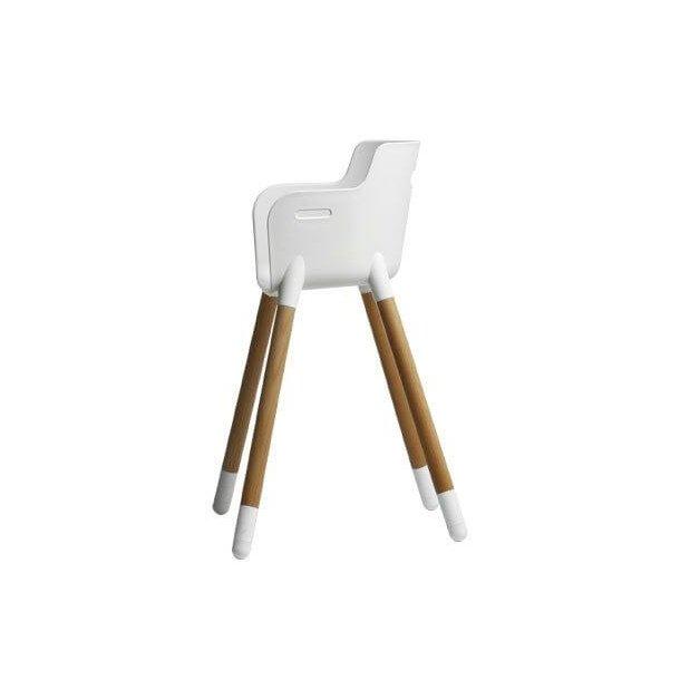 Moderigtigt Juniorstol i bøg og hvid - FLEXA - Smuk og stilfuld stol UX37